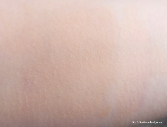 Maybelline BetterSkin Foundation Concealer Ivory Swatch Blended