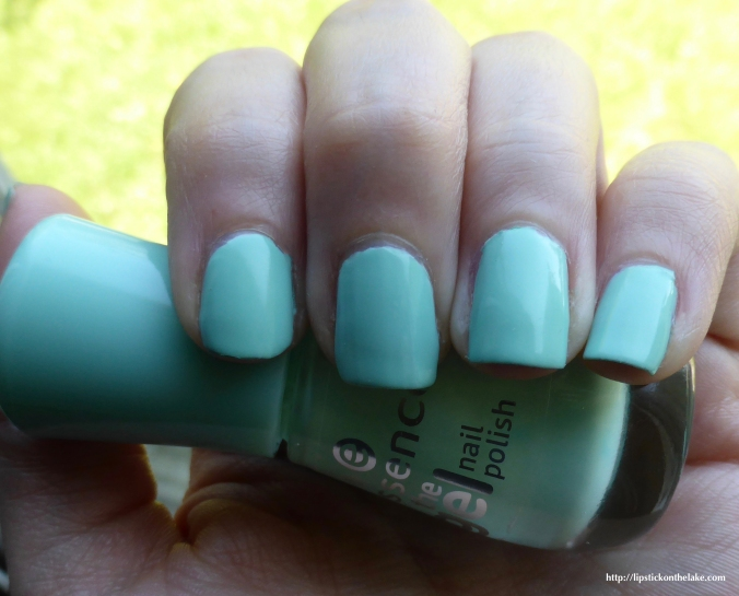 Essence-Play-With-My-Mint