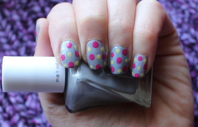 Spring Polkadot Manicure