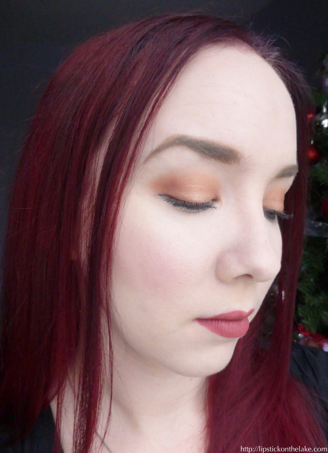 holiday-look-kathleenlights-morphe-palette-side-view