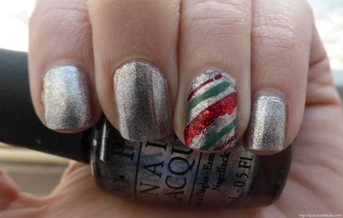Christmas Manicure Candy Cane Accent Nail