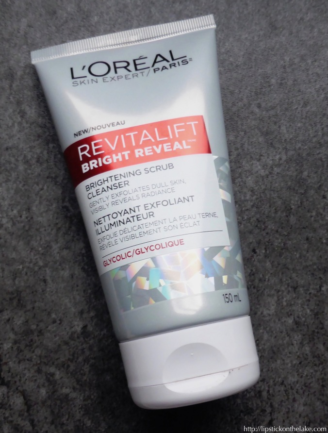 loreal-revitalift-bright-reveal-brightening-scrub-cleanser