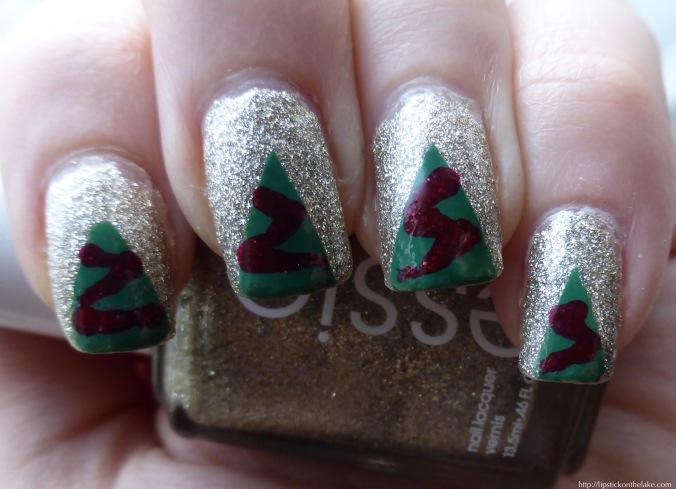 christmas tree manicure